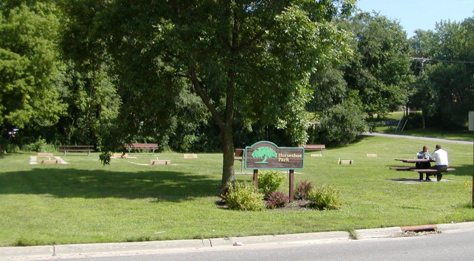 Image of Horseshoe Park Sign and Horseshoe Pits